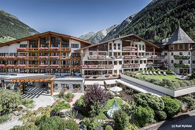 ★★★★★ Das Central - Alpine . Luxury . Life